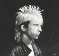 """or a zombie Limahl from Kajagoogoo....!"""